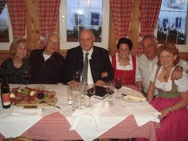 Edmund Stoiber im Südtirol 1 Sonntagsfrühstück