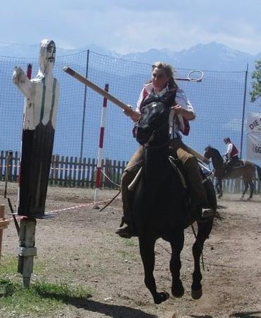 Magdalena beim traditionellen Verschneider-Ritt am Sonntag