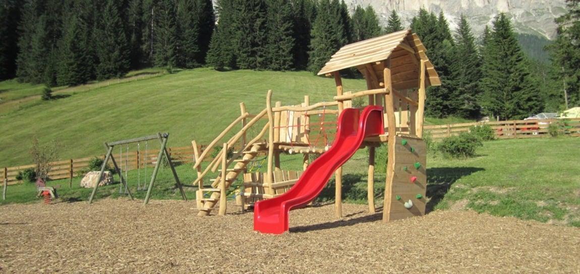 Der neue Spielplatz ist fertig!