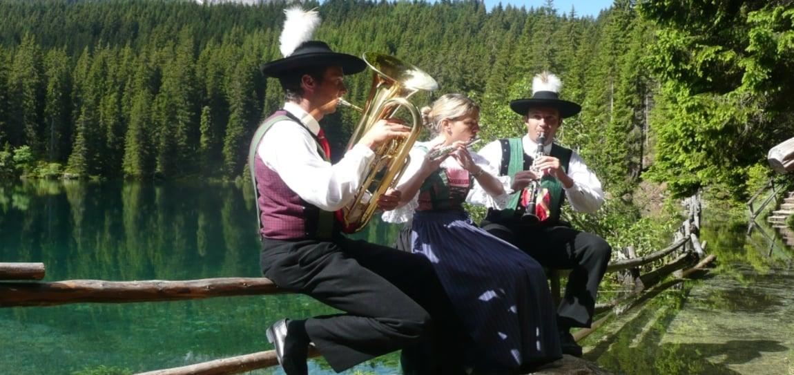 Brass music at Lake Carezza